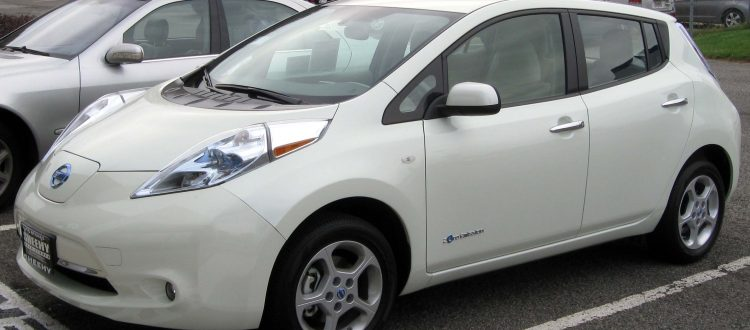 Uber to Trial Electric Nissan Leaf Cars in London