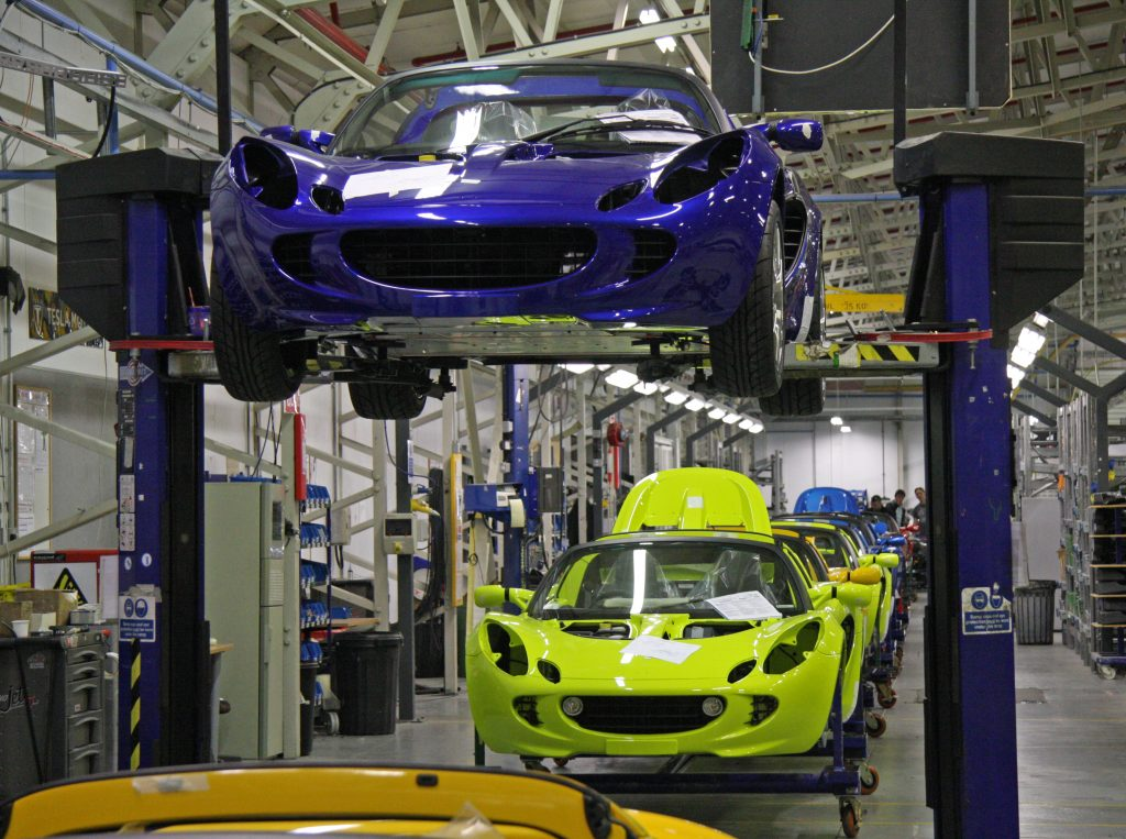 UK Car Manufacturing Output Declines in October