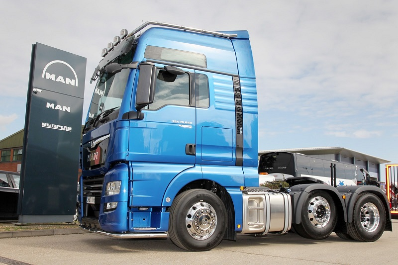 MAN Truck & Bus Deliver new PerformanceLine to Logistics Company