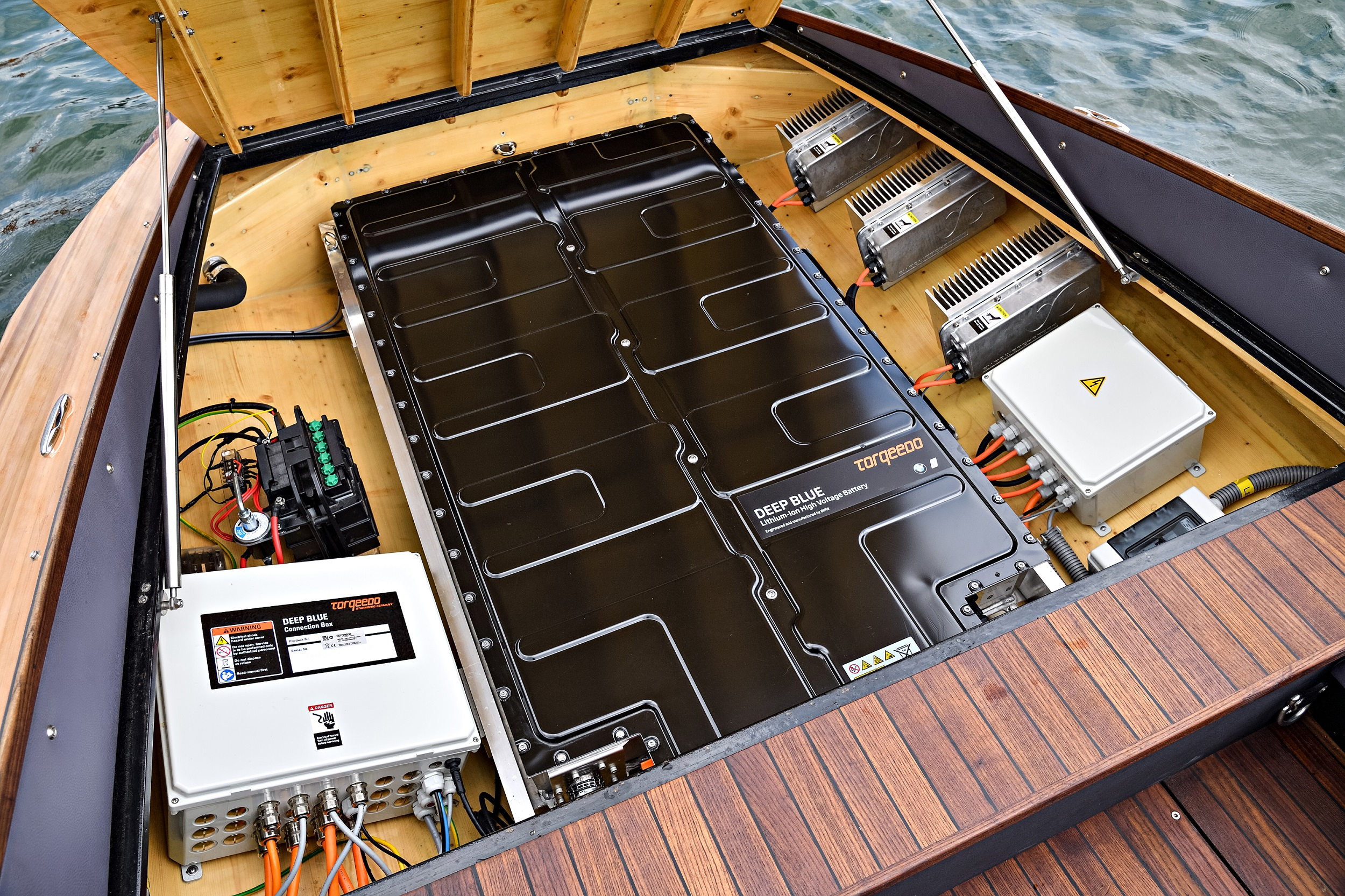 Image result for boat with a lithium ion battery""