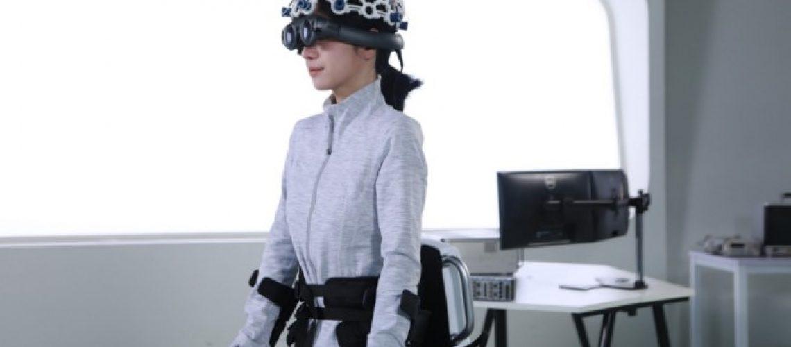 Fourier's exoskeleton, ExoMotus X2, combining EEG controlling module.