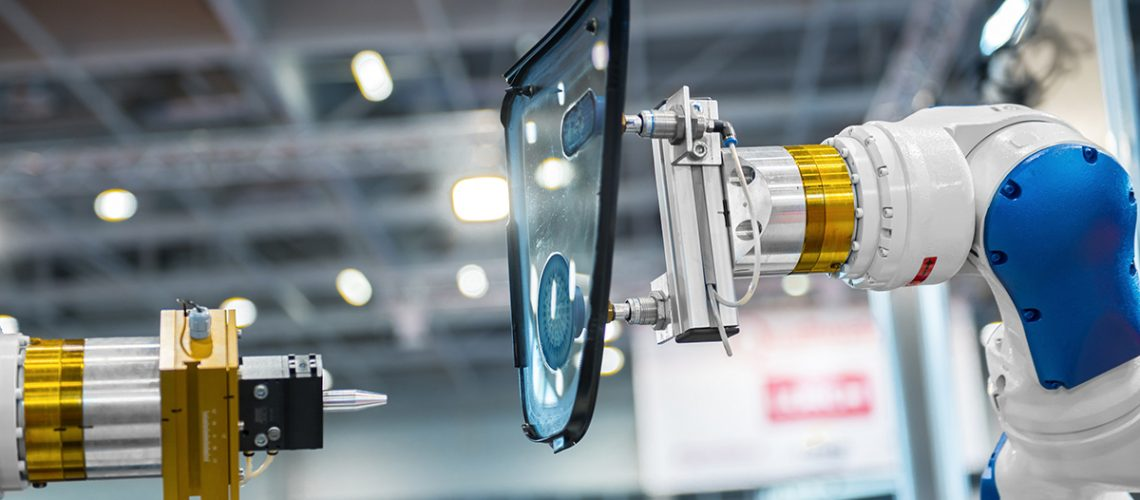The Difference Between Cobots and Industrial Robots